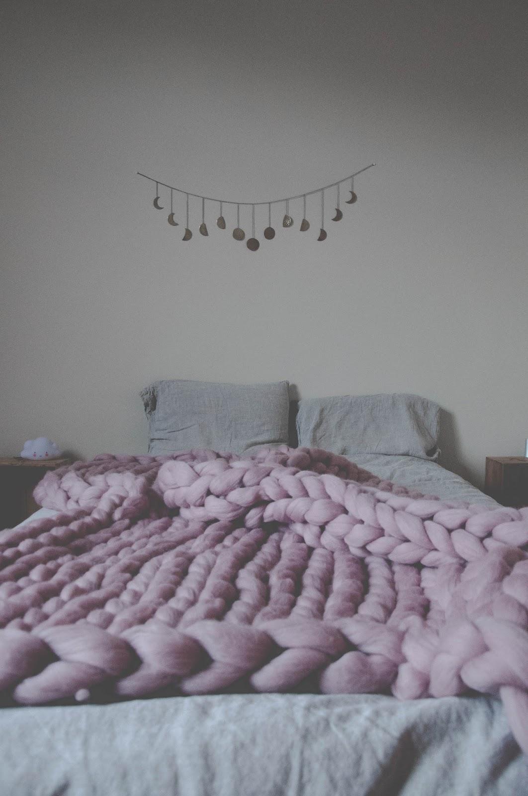 Chunky knit blanket dreams