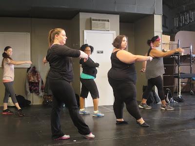 Dançarina enfrenta desafios emocionais e lida com a urgência de questões relacionadas à própria saúde - Divulgação