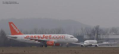 Airbus A319-111 (G-EZDN)