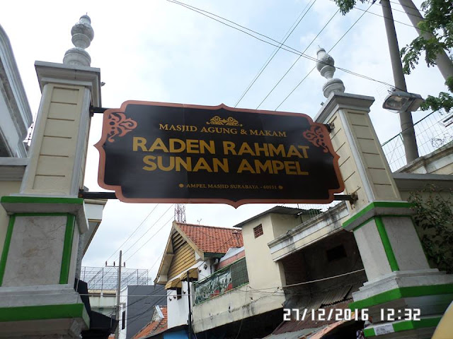 Masjid Agung dan Makam Sunan Ampel