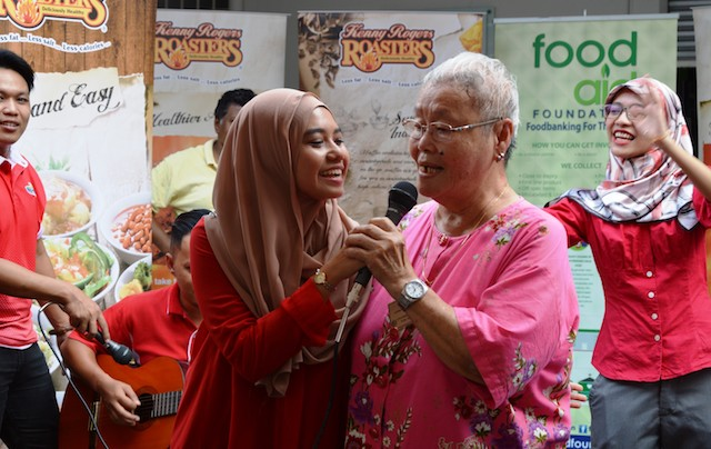 Kenny Rogers Roasters Celebrate CNY With Senior Citizens