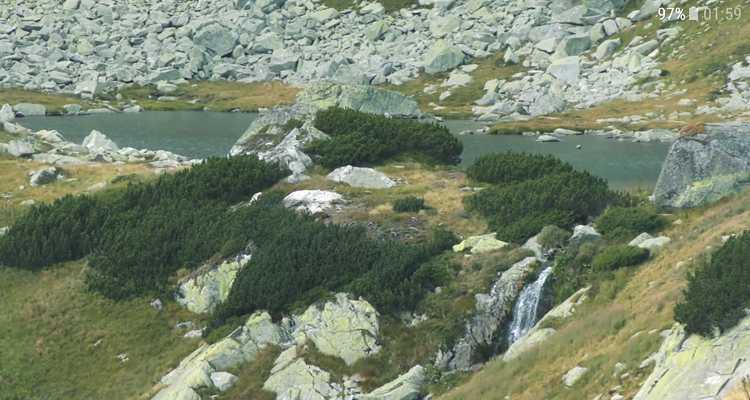 lacuri izvoare si munti in parcul national retezat