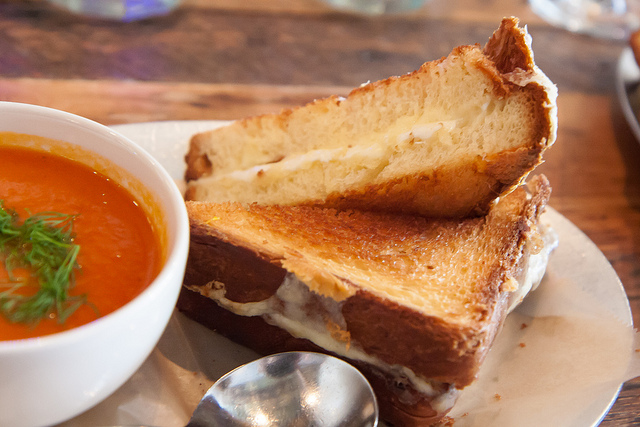 grilled cheese, tomato soup, tomato soup and grilled cheese recipe, eating fabulously, Christopher stewart