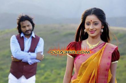 Bhoomika Dash Pretty in Nayak ra Naa Devdas shooting set