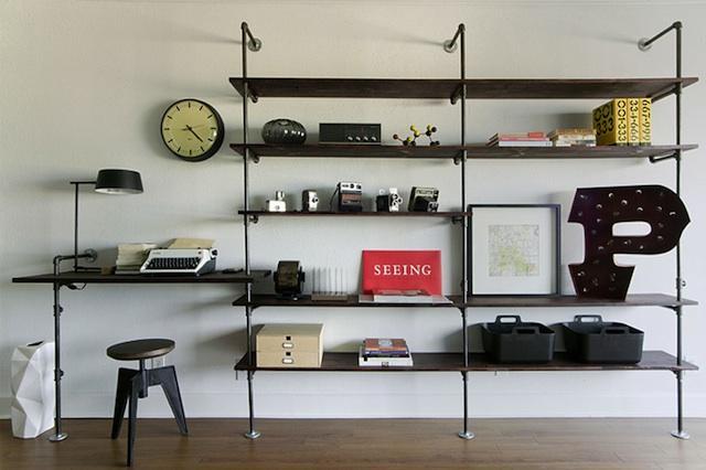 die wohngalerie industriedesign in purster form regal aus klempner bedarf. Black Bedroom Furniture Sets. Home Design Ideas
