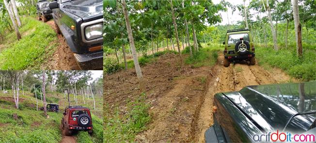 Sensasi lumpur dan jalan terjal sebelum ke Air Terjun Cobantundo