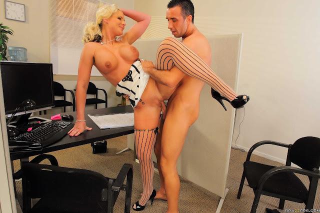 carmen-blonde-having-sex-in-office
