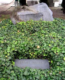 Nono's grave at the cemetery of San Michele