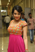 Deeksha panth new gorgeous stills-thumbnail-14