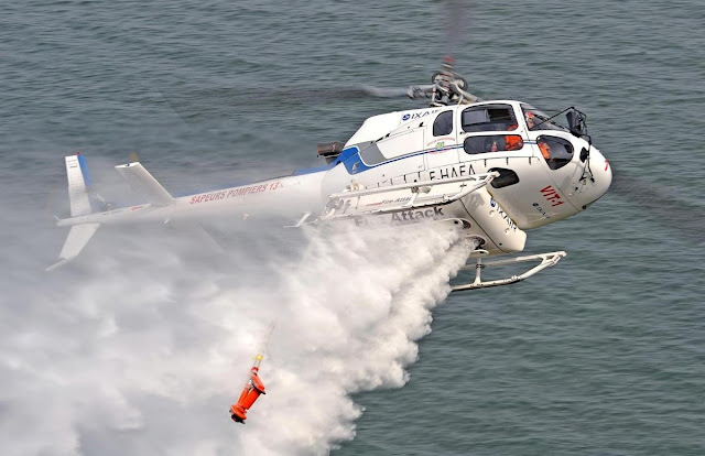 Aerospatiale Ecureuil AS350 While Water Bombing and Maneuver