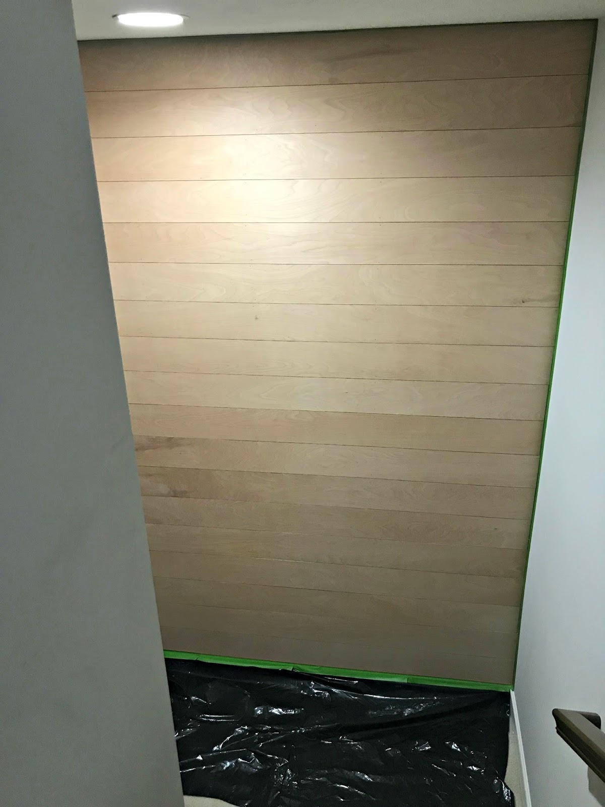 How to plank a wall with wood