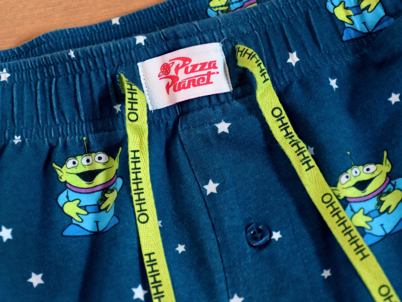 boxlunch toy story alien pizza planet pajamas