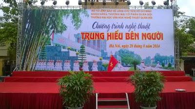 thi-cong-backdrop-gia-re-ha-noi