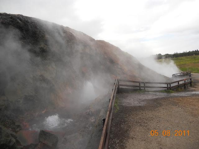 Boiling water springs -