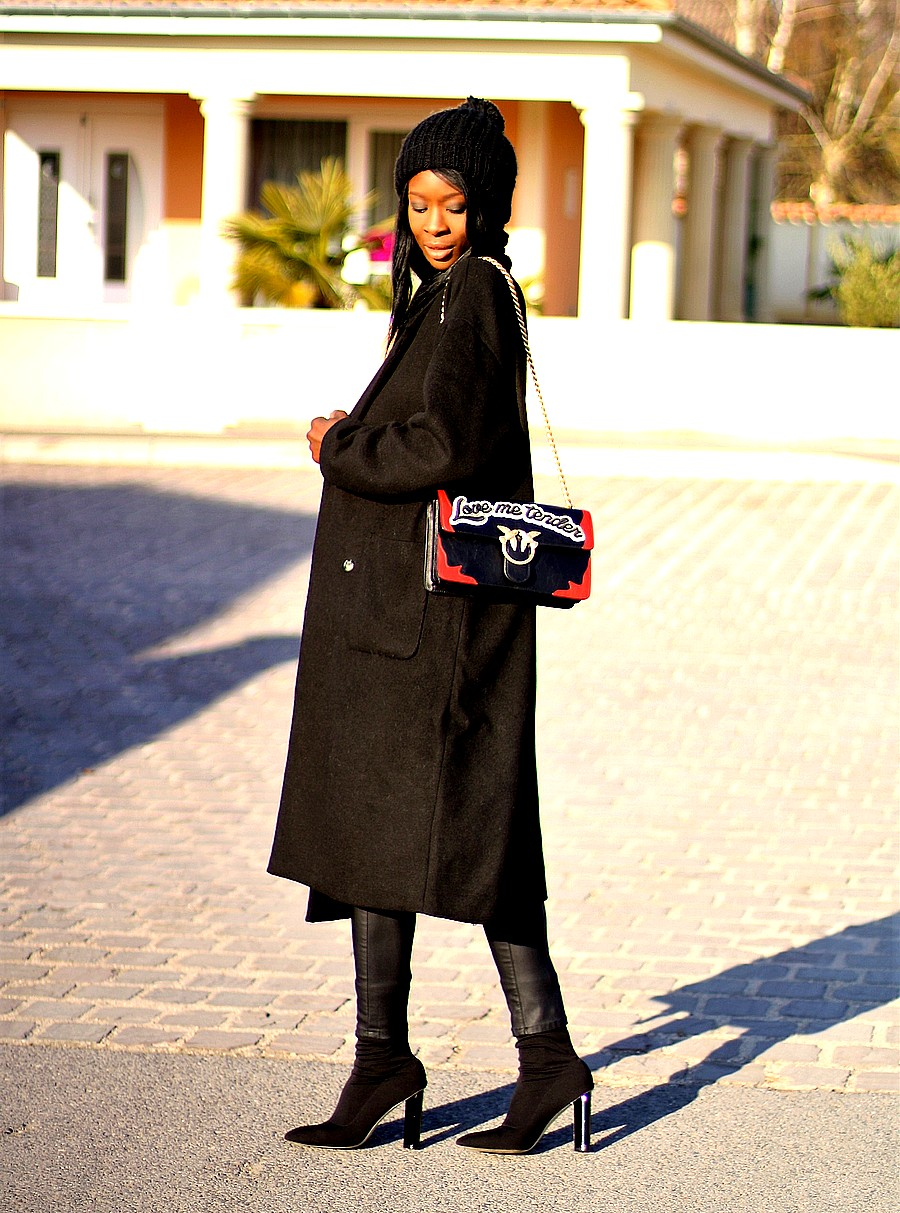 outfit-ideas-inspiration-pinko-love-bag-long-coat-sock-boots-hoodie
