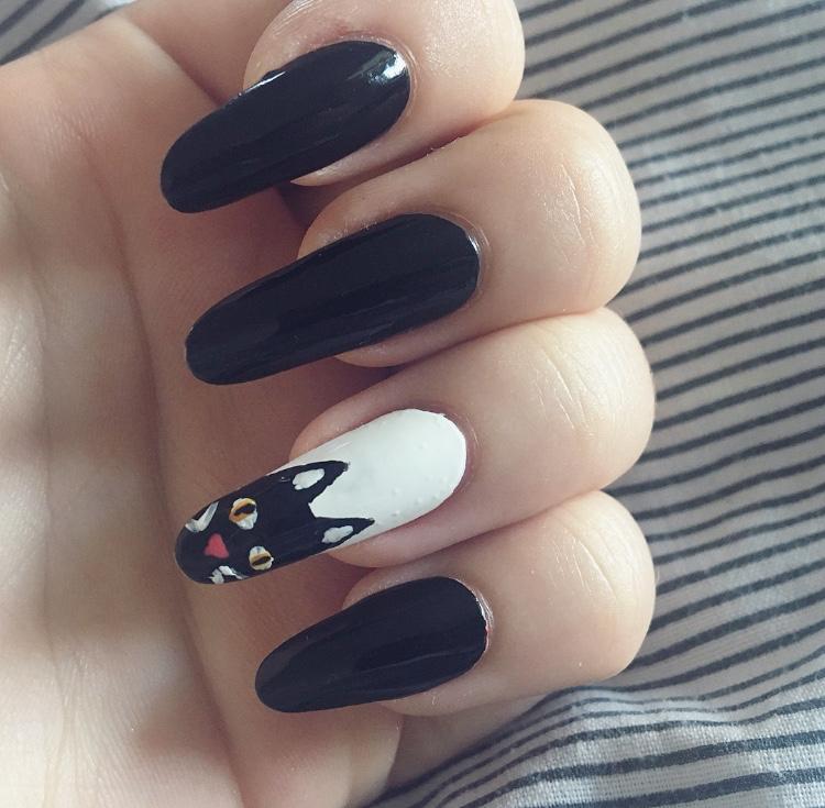 BEAUTY   10 halloween nail ideas     FNWM  
