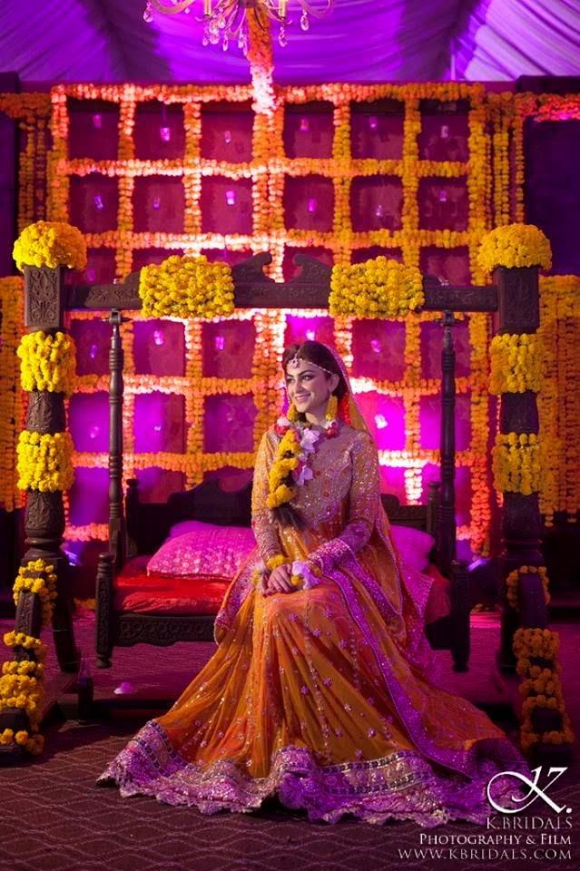 Fancy-Mehndi-Dresses-For-Brides-Classy-Mehndi-Wardrobe