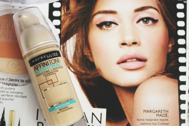 Maybelline Affinitone Mineral foundation for sensitive skin in Sand 30