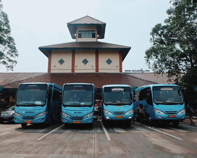 bus ke bandara Soeta