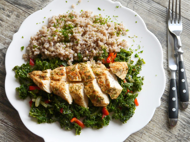 Filet kurczaka na jarmużu - dieta szybka przemiana - faza I - Czytaj więcej »
