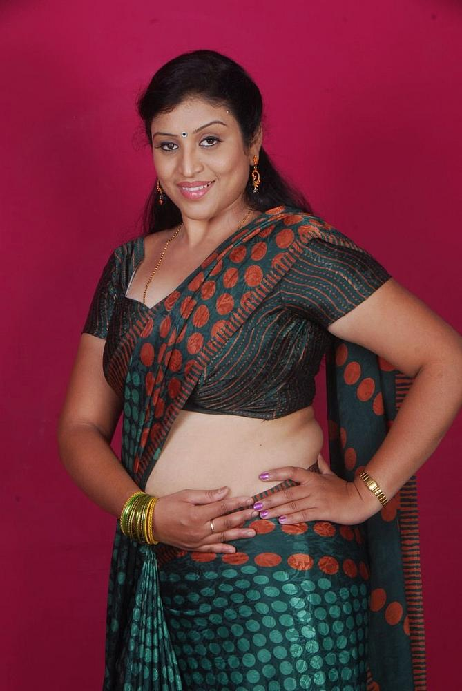 Latest Movies Gallery Telugu Supporting Aunty Uma Hot -6878