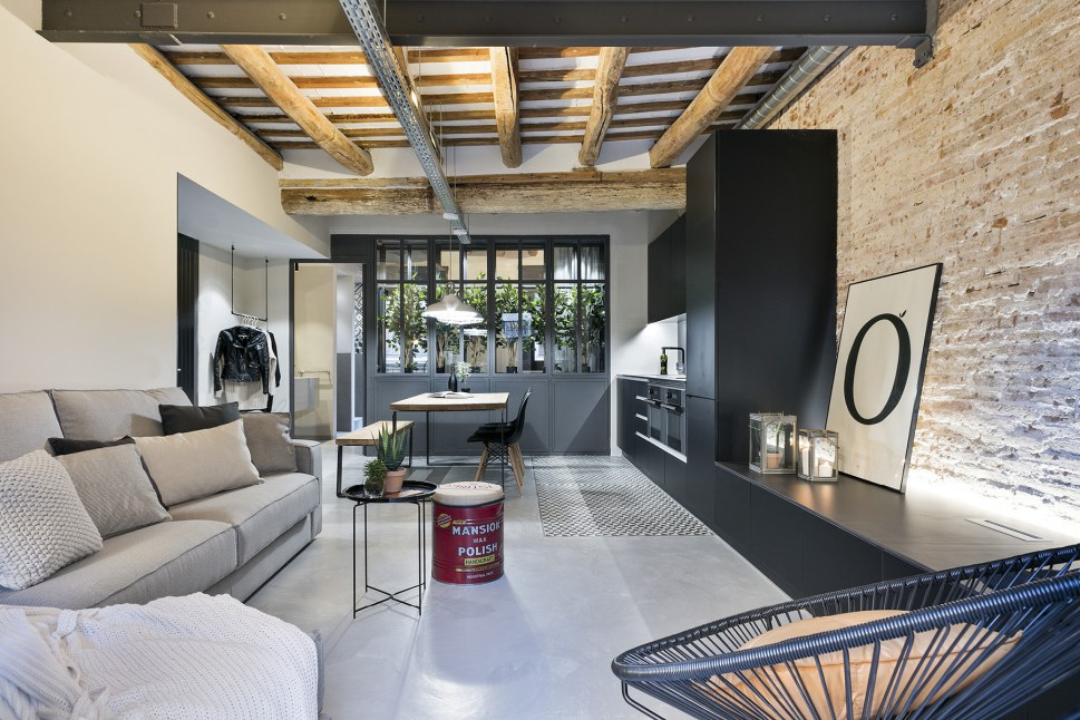 Decordemon New York Style Loft In Barcelona