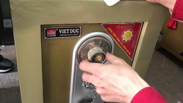 Cách để xử lí vấn đề nhập đúng mã số mà vẫn không mở được két sắt