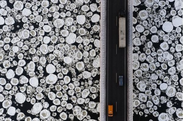 jembatan sungai es