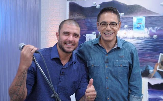 O programa da TV Cultura, apresentado por Adriana Couto e Cunha Jr., vai ao ar às 20h (Foto: Jair Magri / Divulgação)