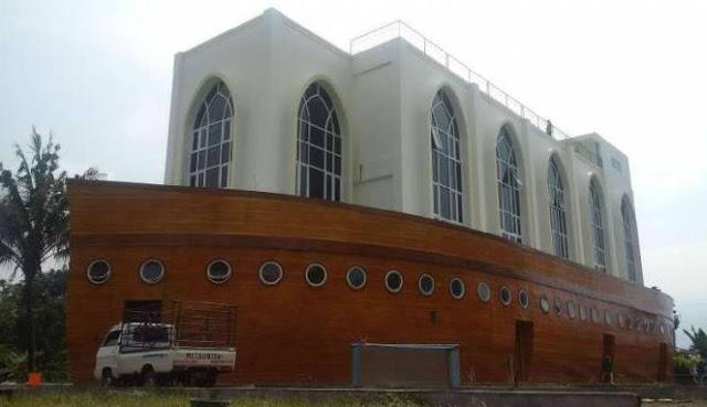 Wow! Ada Masjid Kapal Nabi Nuh di Semarang