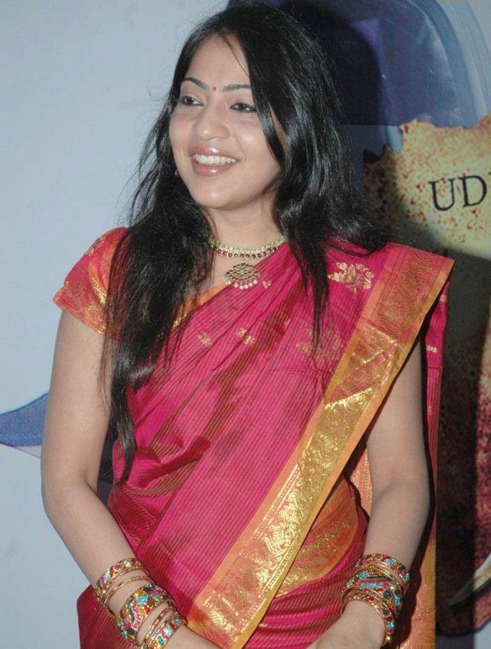 Tamil Tv Anchor Ramya Long Hair Stills In Red Saree