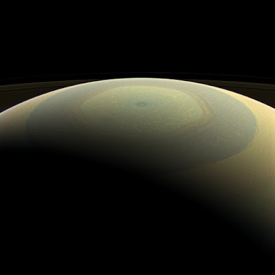 Saturn_North_Pole_2013-07-22.jpg