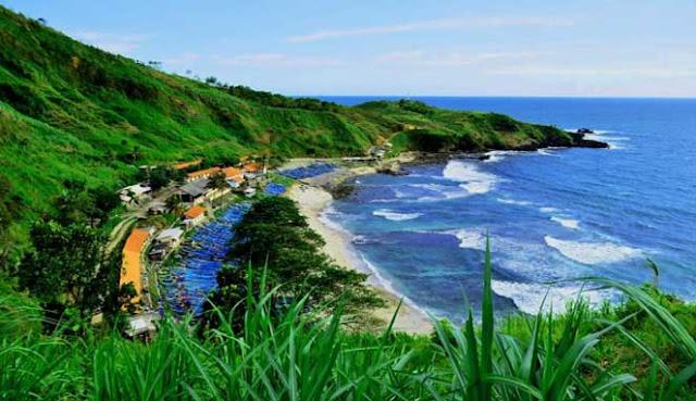 Pantai Karang Pandan