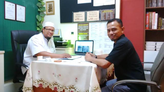 Ustaz Mohd Shakir, Perawat dan Pengarah Operasi Pusat Rawatan Al-Qayyum