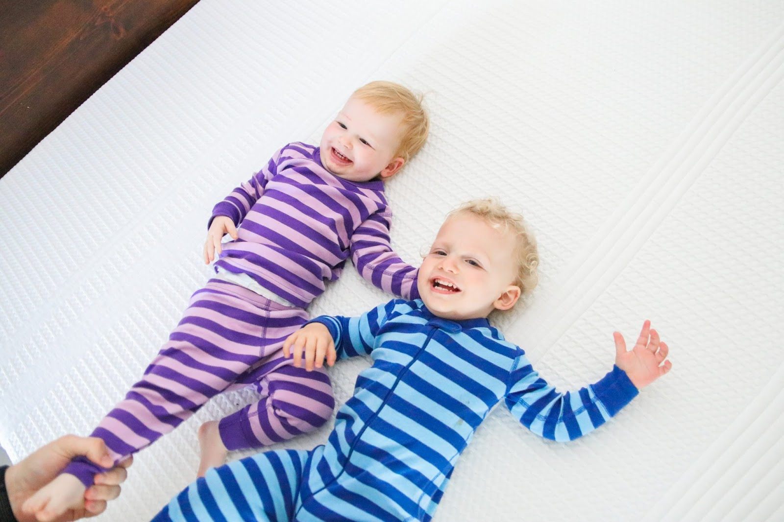 nora mattress, wayfair, wayfair nora mattress review, mattress review, wayfair mattress, soft and firm mattress, hanna andersson pajamas, austin blogger, texas blogger, texas mom blogger, co sleeping, parenting twins, twin parenting, bed review, wayfair blogger