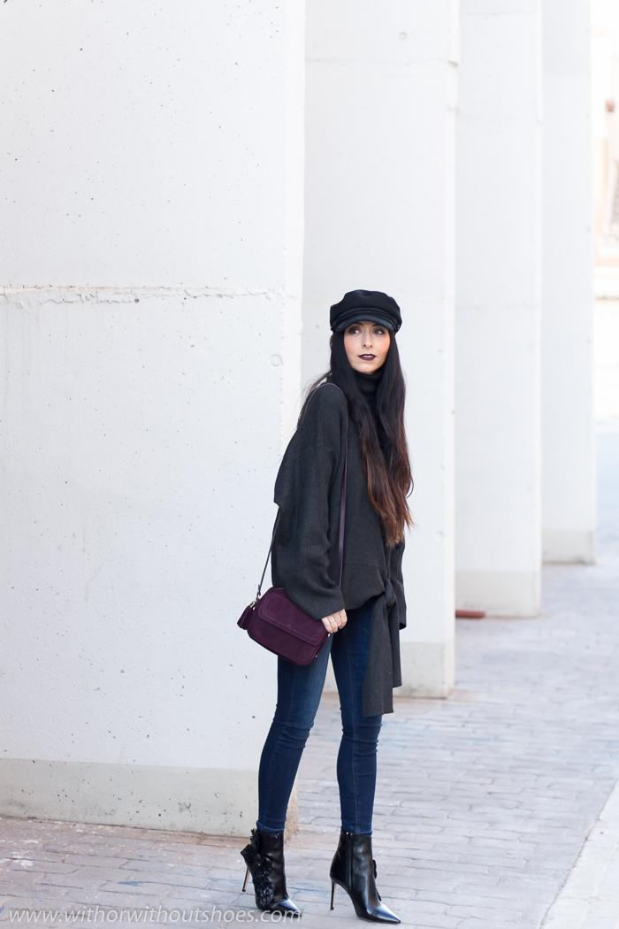 Blogger influencer valenciana con ideas de estilismo combinando jeans gorra y jersey de lana