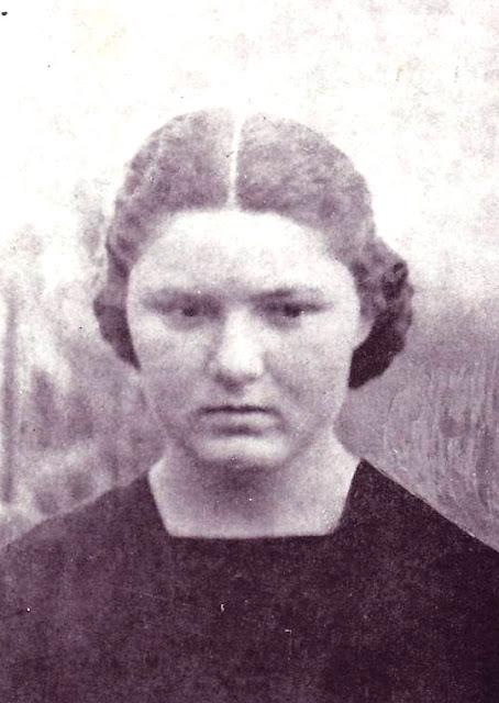 Resultado de imagem para adelaide roncalli com 15 anos