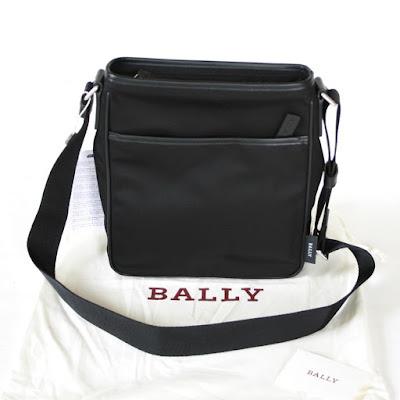 https://www.ebay.com/sch/couture-auctions/m.html?item=401601270913&rt=nc&_trksid=p2047675.l2562