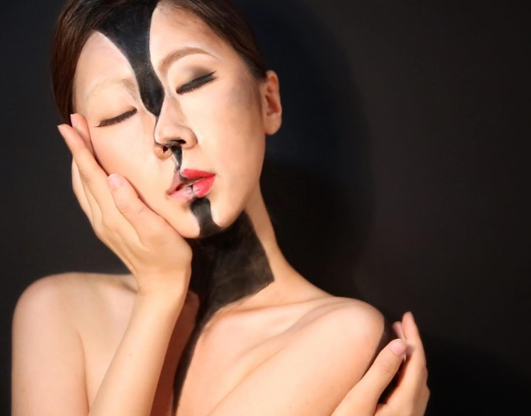 04-Dain-Yoon-aka-designdain-No-Photoshop-Body-Painting-Optical-Illusions-www-designstack-co