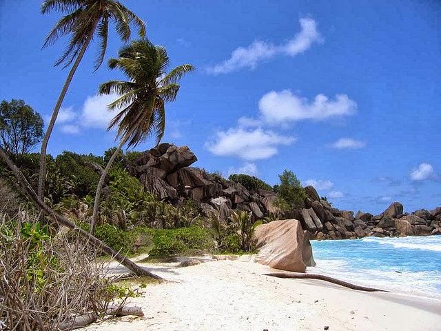 جزر هادئة بدون سيارات 58476201_05f41bc7b6_
