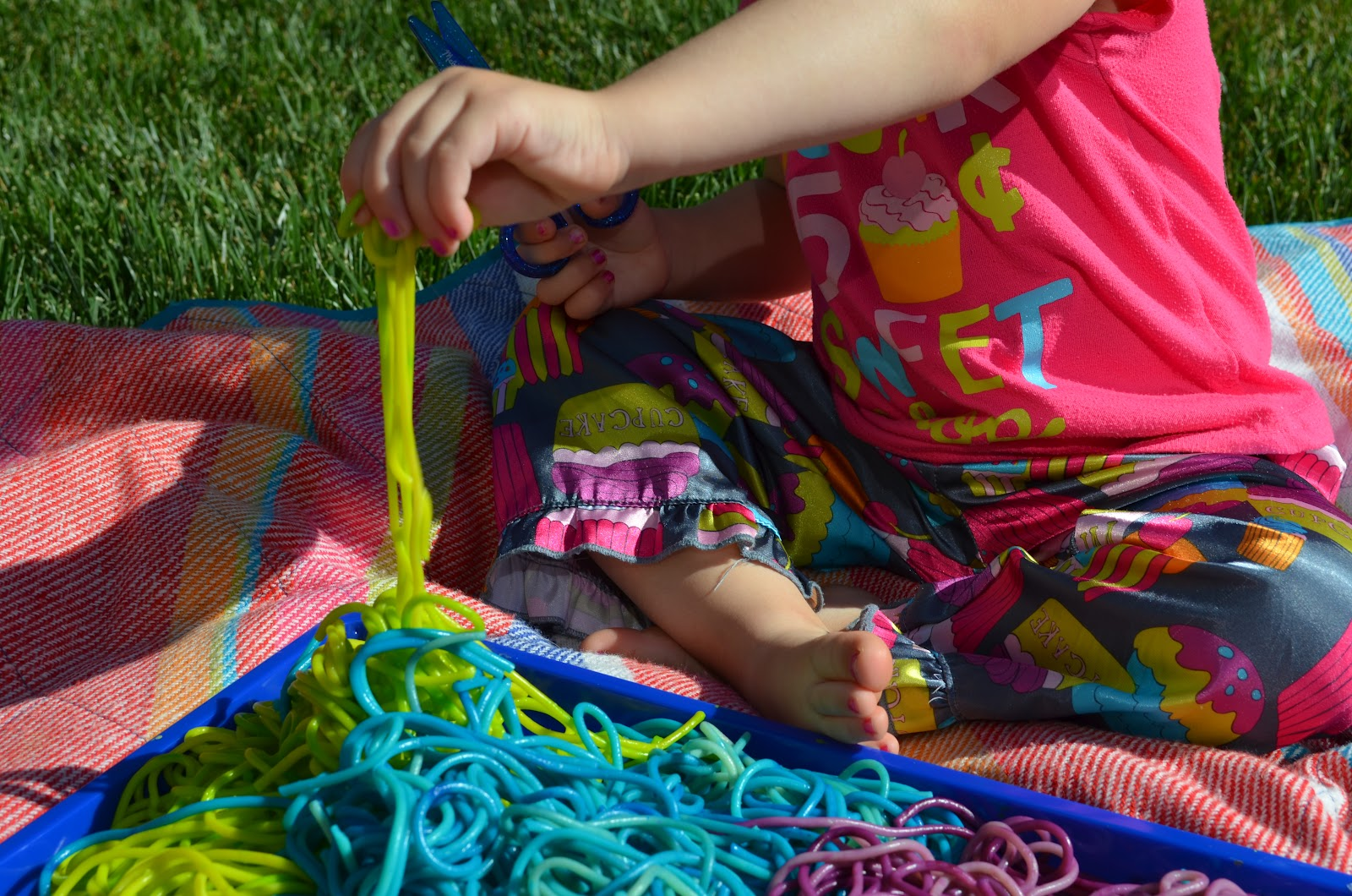 Tot treasures rainbow worms, coloring pages love