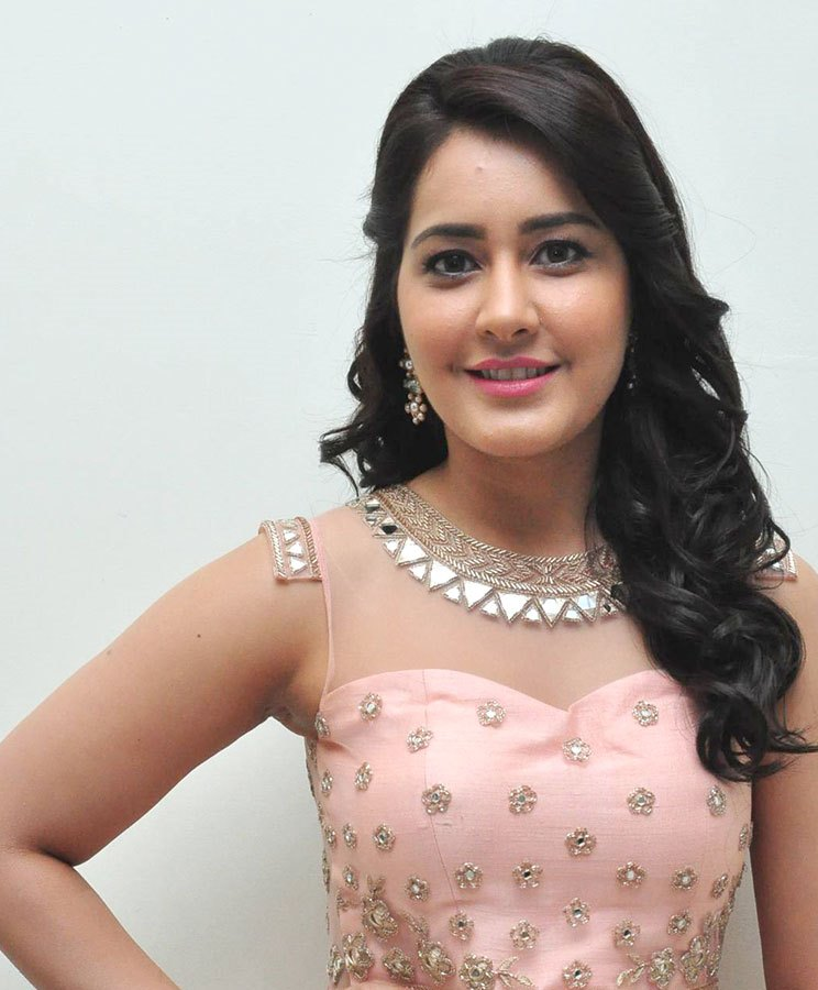 Rashi Khanna Cute Stills At Bengal Tiger Audio Launch