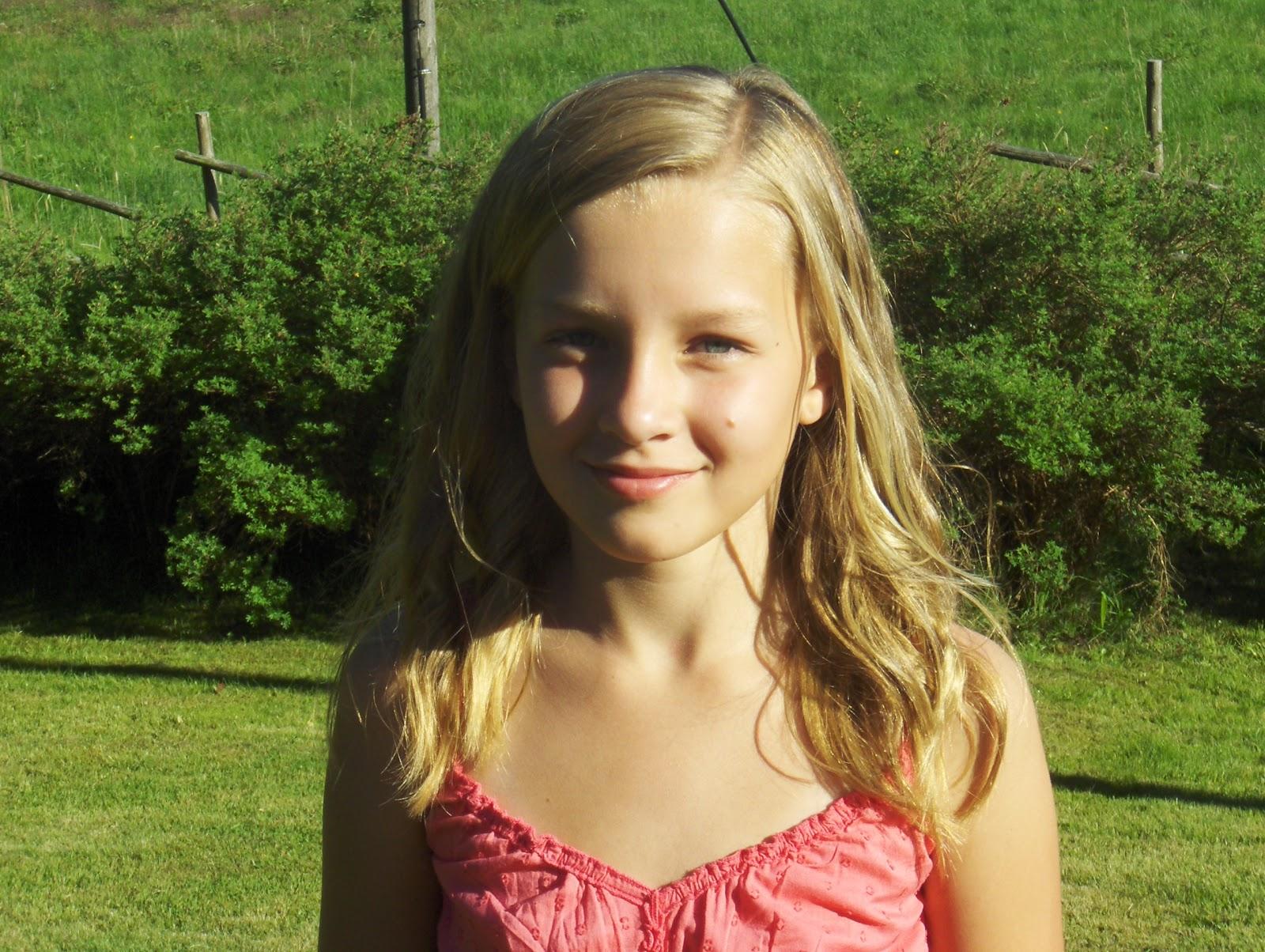 fyller 12 år Berit o Lennart: Agnes 12 år med sommarväder fyller 12 år