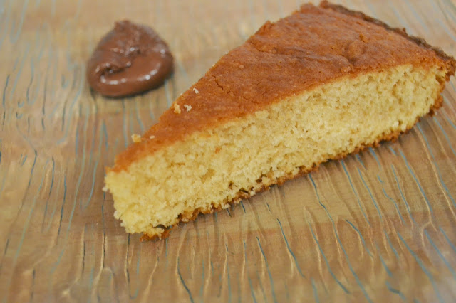 http://les-reveries-d-isisya.blogspot.com/2015/01/the-gateau-aux-amandes.html