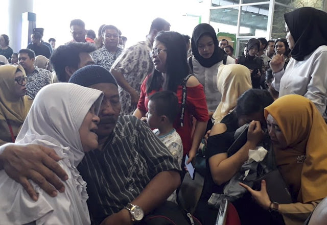 Photos: Relatives of Lion Air Crash victims mourn at airport; Authorities say likely no survivors