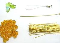 Racimo de uvas con abalorios y alambre