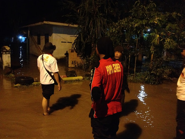 Banjir masih menggenangi ratusan rumah warga