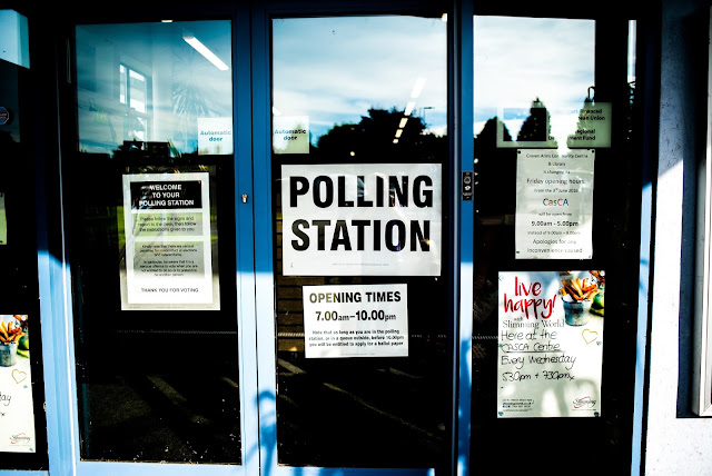 Photo of an entrance to a polling station