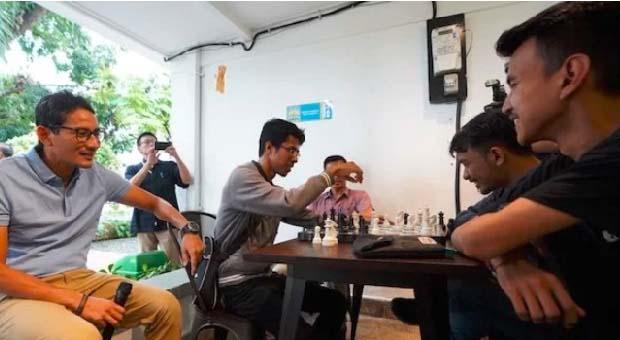 Sandiaga Uno Sambangi Rumah Siap Kerja di Jakarta Selatan