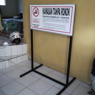 contoh rambu dilarang merokok terbuat dari rangka besi